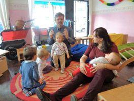 Liebevolle Betreuung der Kinder